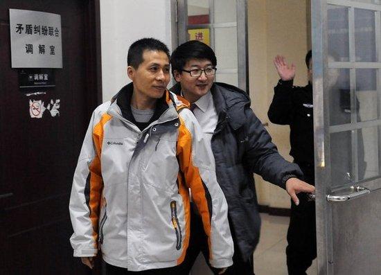 重庆警方跨省约谈不雅视频爆料人 索要证据遭拒