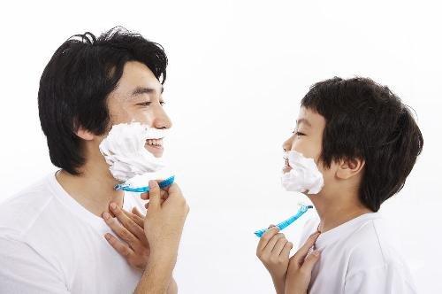 不每天刮脸性高潮少 从刮胡子的频率看男人寿