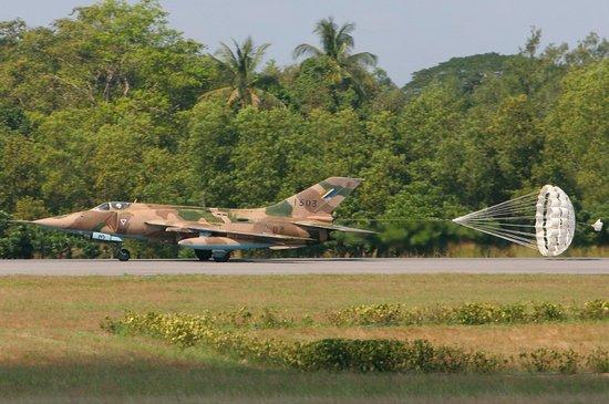 印度将为缅甸空军培训飞行员 抗衡中国在缅影响