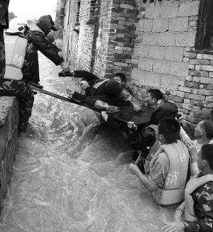 罕见特大暴雨连袭南方6省 今年可能有大洪水,专家都哪里去了?