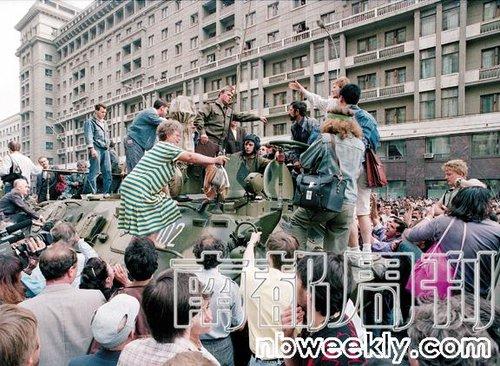 社会基础变化让枪杆子也未能保住苏联