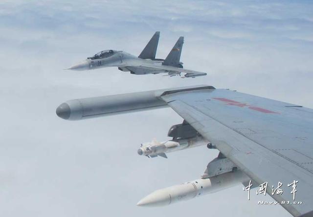 我国空域现外国军机 东海舰队航空兵紧急驱离