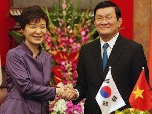 越南国家主席张晋创欢迎朴槿惠总统访越 图片来源:越南通讯社