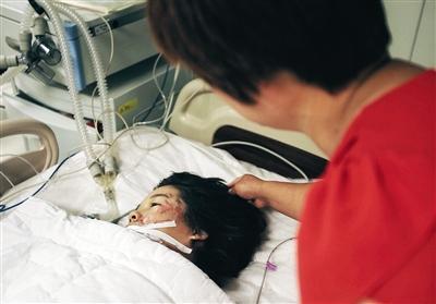 北京密云城管执法车撞三轮 四名孩子两死两伤
