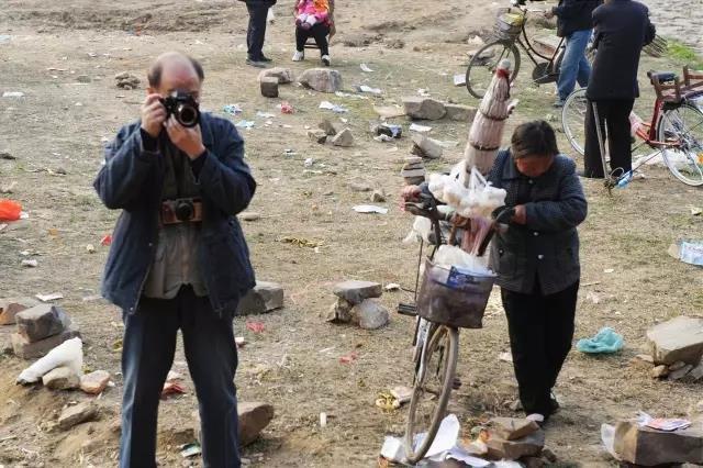 2010年3月,在南召县庙会上进行拍摄。