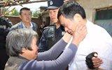 男子杀人后漂白身份潜逃22年 被捕后见到母亲痛哭