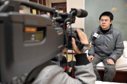 王鹏被解除刑事拘留后接受新华社记者采访(12月2日摄)。新华社记者 王鹏 摄