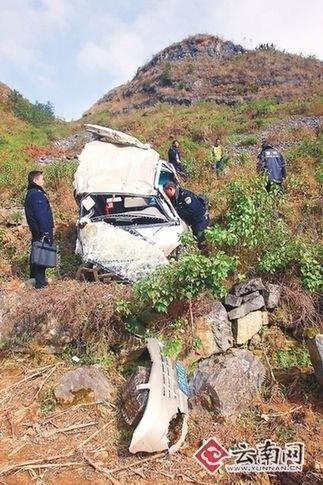 车祸现场惨烈 记者 刘筱庆 摄