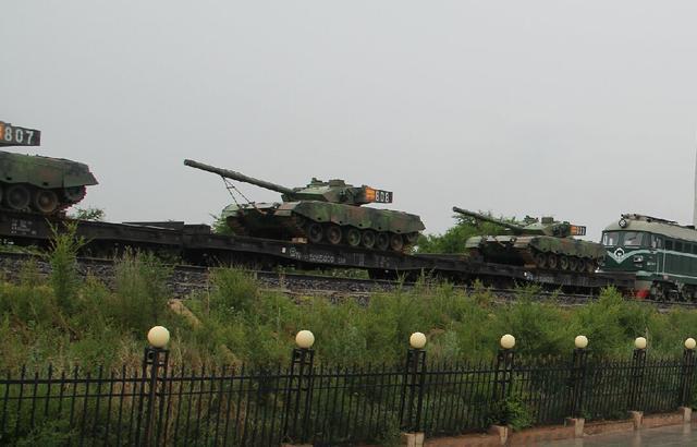 解放军4辆96A赴俄参加坦克大赛 来自南京军区