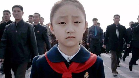"""《太阳之下》:在朝鲜拍摄""""世界上最幸福的孩子"""""""