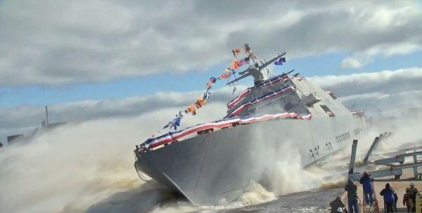 美海军热烈欢迎新总统?外媒:后者或拨巨款造舰