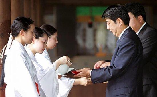 日本自民党总裁安倍晋三参拜靖国神社