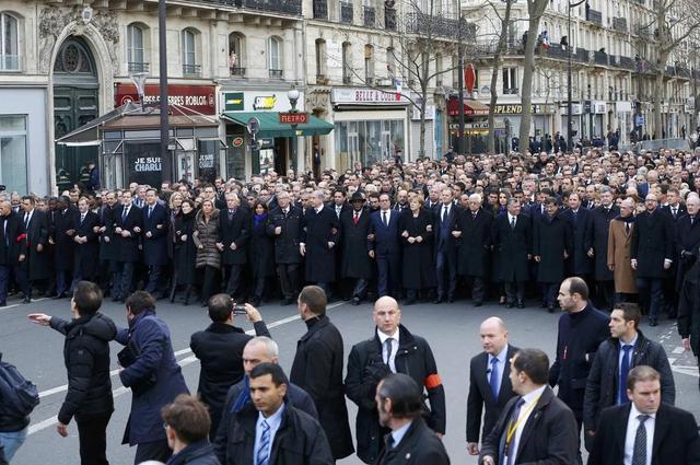 全法370万人参加大游行 多国领导人到场声援