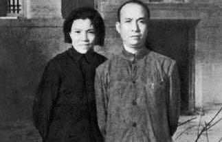 1941年李富春与夫人蔡畅在延安