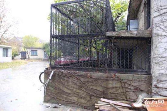 图为上海动物园繁殖场内的一处笼舍