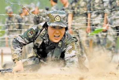 焦力在部队时进行战术训练。申冬冬摄