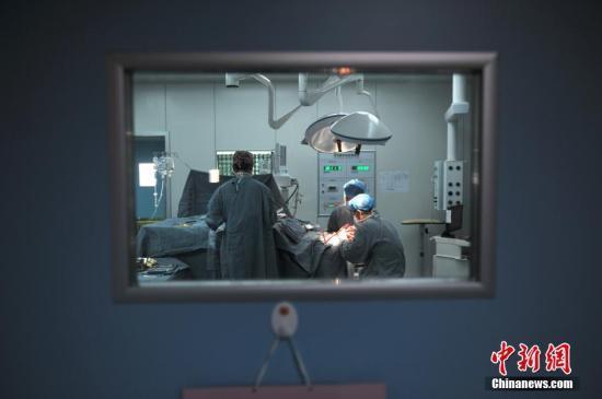 卫计委:医务人员将实现编内编外同岗同薪同待遇