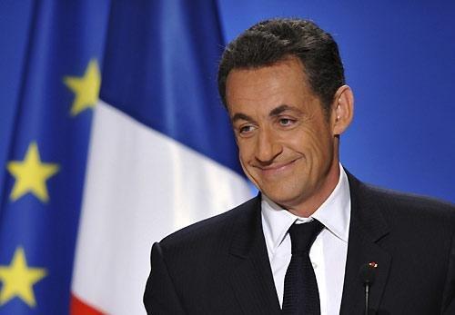 法国总统选举投票前夕 候选人最后一次拉票