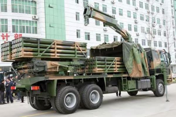 解放军模块化火箭炮亮相演习 将成新一代炮兵主力图片