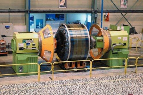中国突破自主生产T700碳纤维 可替代进口