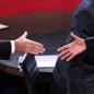 候选人对华语调软化