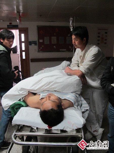 组图:昆明一生物制药公司发生爆炸事故5死8伤