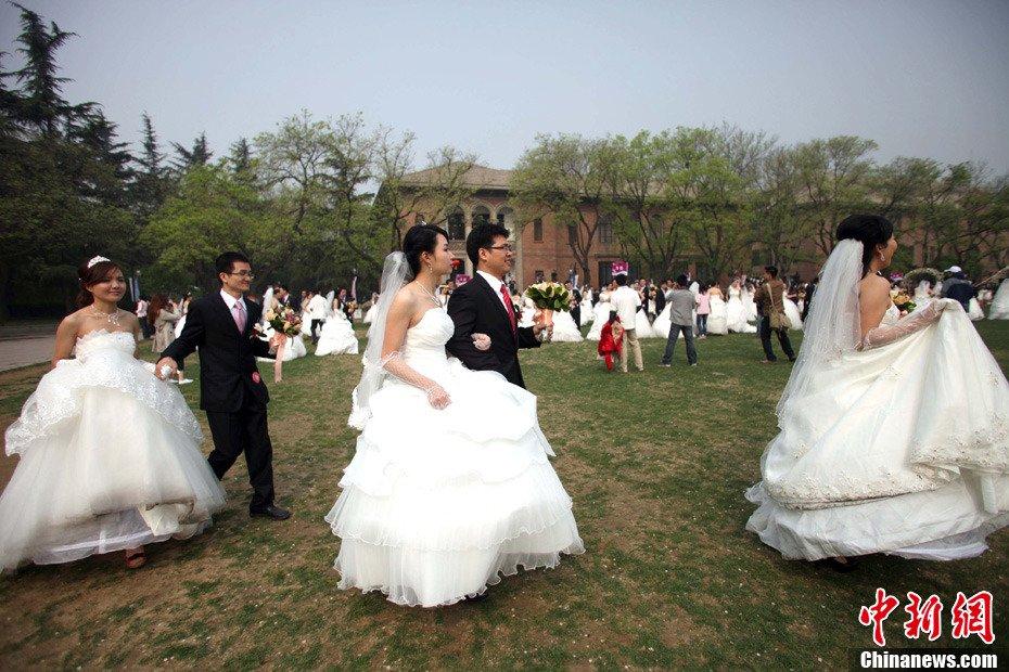 高清:清华大学举行近800人大型集体婚礼【組圖文】_图1-13