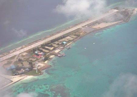 学者:中国可依法随时武力收回被占岛礁(图)