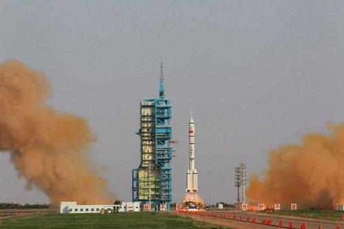 神舟九号发射成功 中国首位女航天员飞天 - 海阔天空 - 迎友松休闲乐园