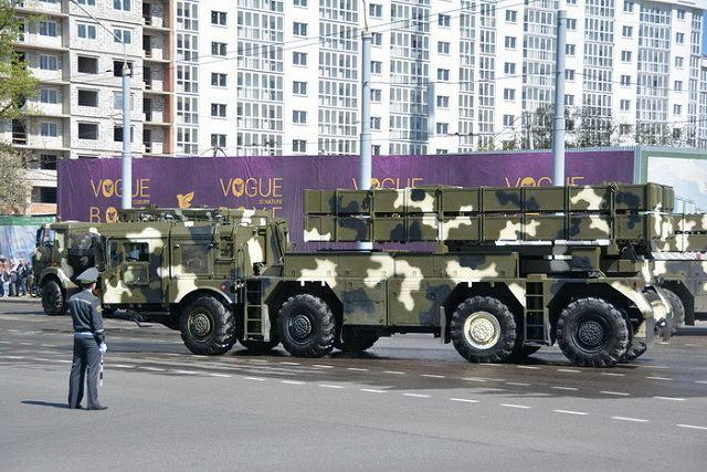中国远程火箭炮ar3_俄媒体称中国将出口最新式AR3型远程火箭炮