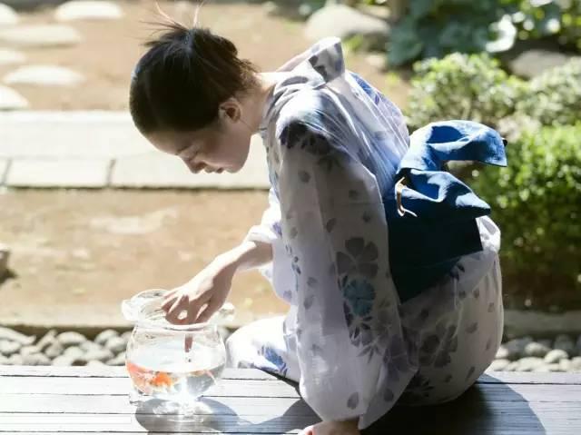在日本�A人女性�槭裁床辉富��?