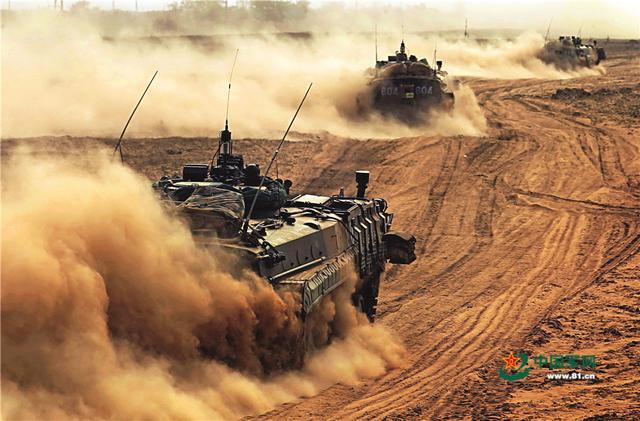 外媒:中美之战不可避免?双方开始炫耀武力