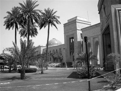 """位于伊拉克首都巴格达""""绿区""""内的美国大使馆。资料图片"""