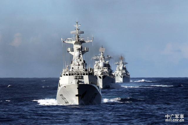东部战区海军政委:不管是谁到家门口都不能不闻不问
