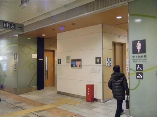 日本公厕超感人的14个细节