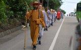13名僧人上海步行至峨眉山