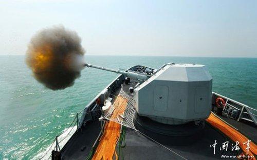 中国海军最新056型轻护卫舰首次出海实弹射击
