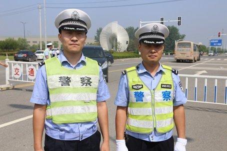 公安部:对群众围观拍摄 如不影响执法民警不得干涉