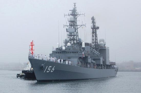 日媒:中俄4艘军舰同时在钓鱼岛附近与日舰对峙