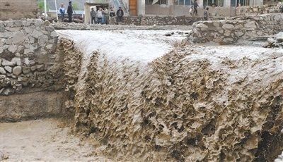 甘肃岷县雹洪灾害致37人遇难19人失踪