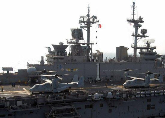 超越航母的两栖舰:美国号