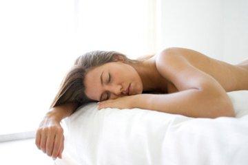 光皮股女人睡觉图片