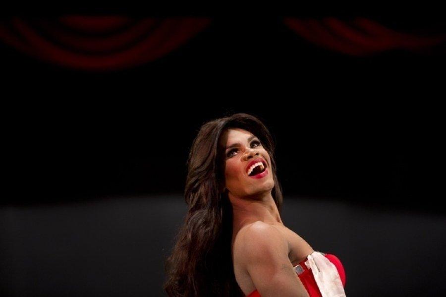内瑞拉男性夺得同性恋小姐选美大赛冠军图片