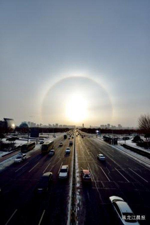 ,则次日中午会刮风.日晕在一定程度上可以成为天气变化的一种