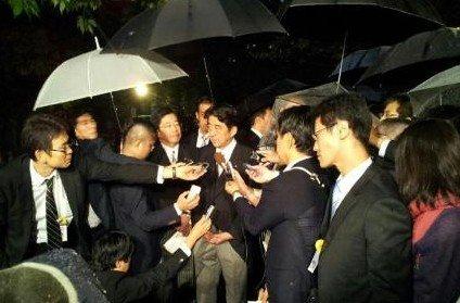 安倍晋三17日参拜了靖国神社,并在之后接受媒体采访。