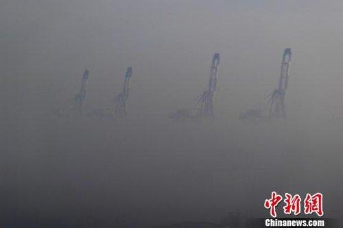 渤海湾烟台至大连航线受浓雾大风影响再停航(图)