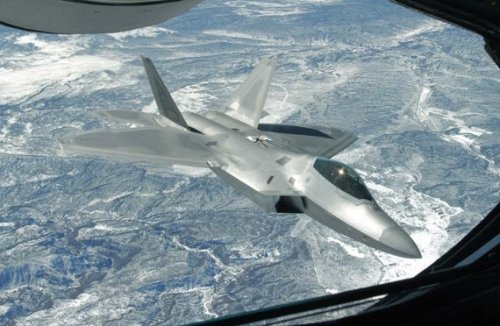 美前将领要求2011年增产12架F-22反制中国J-20