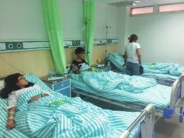 陕西一学校28名初中生集体发热住院 原因不明
