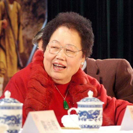 胡润女富豪榜:陈丽华首次成为中国女首富