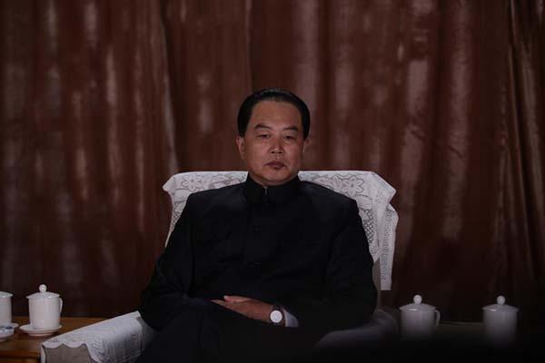 电视剧《邓小平》今日开播 首次出现华国锋角色